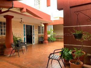 Casa En Ventaen Punto Fijo, Santa Irene, Venezuela, VE RAH: 21-5461