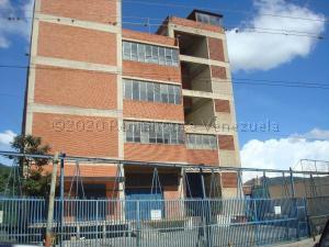 Galpon - Deposito En Alquileren Caracas, Ruiz Pineda, Venezuela, VE RAH: 21-5322