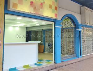 Local Comercial En Alquileren Maracay, Parque Aragua, Venezuela, VE RAH: 21-5323