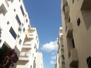Apartamento En Ventaen Municipio Los Guayos, Paraparal, Venezuela, VE RAH: 21-5359