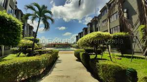 Apartamento En Ventaen Higuerote, Agua Sal, Venezuela, VE RAH: 21-5332