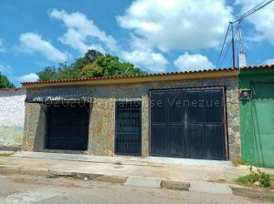 Casa En Ventaen Palo Negro, Centro Palo Negro, Venezuela, VE RAH: 21-5333