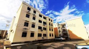 Apartamento En Ventaen Turmero, Conjunto Residencial Las Carolinas Ii, Venezuela, VE RAH: 21-5441