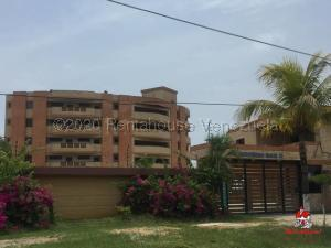 Apartamento En Ventaen Tucacas, Tucacas, Venezuela, VE RAH: 21-5352
