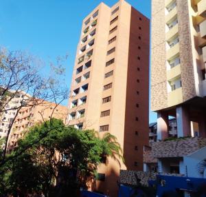 Apartamento En Ventaen Valencia, El Parral, Venezuela, VE RAH: 21-5387