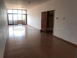 Apartamento En Ventaen Punto Fijo, Santa Fe, Venezuela, VE RAH: 21-5403