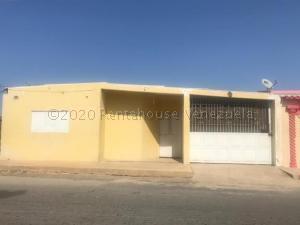 Casa En Ventaen Punto Fijo, Creolandia, Venezuela, VE RAH: 21-5406