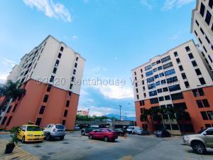 Apartamento En Ventaen Maracay, Bosque Alto, Venezuela, VE RAH: 21-5408