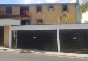 Casa En Ventaen Caracas, Cumbres De Curumo, Venezuela, VE RAH: 21-5427