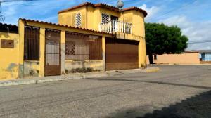 Casa En Ventaen Barquisimeto, Parroquia El Cuji, Venezuela, VE RAH: 21-5430