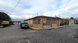 Casa En Ventaen Maracay, Las Aves, Venezuela, VE RAH: 21-5447