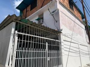 Casa En Ventaen Valencia, La Isabelica, Venezuela, VE RAH: 21-5473