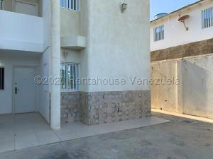 Apartamento En Ventaen Punto Fijo, Guanadito, Venezuela, VE RAH: 21-5492