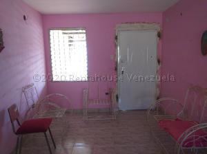 Casa En Ventaen Coro, Las Eugenias, Venezuela, VE RAH: 21-5499
