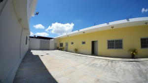 Local Comercial En Alquileren Barquisimeto, Parroquia Concepcion, Venezuela, VE RAH: 21-5534