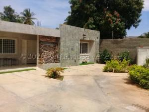 Casa En Alquileren Maracaibo, La Limpia, Venezuela, VE RAH: 21-6176
