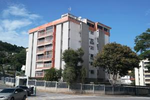 Apartamento En Ventaen Caracas, Cumbres De Curumo, Venezuela, VE RAH: 21-5556