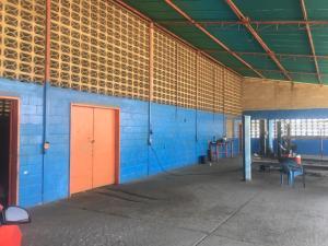 Galpon - Deposito En Ventaen Ciudad Ojeda, La N, Venezuela, VE RAH: 21-5603