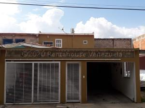 Casa En Ventaen Guacara, Los Apamates, Venezuela, VE RAH: 21-5594
