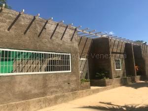 Casa En Ventaen Pueblo Nuevo, Pueblo Nuevo, Venezuela, VE RAH: 21-5630