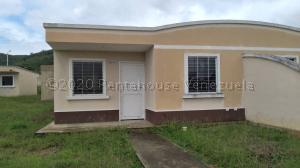 Casa En Ventaen Yaritagua, Municipio Peña, Venezuela, VE RAH: 21-5634