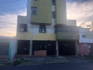 Apartamento En Ventaen Barquisimeto, Centro, Venezuela, VE RAH: 21-5663