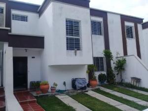 Casa En Ventaen Cabudare, Parroquia José Gregorio, Venezuela, VE RAH: 21-5704