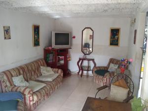 Casa En Ventaen Barquisimeto, Parroquia Tamaca, Venezuela, VE RAH: 21-5714