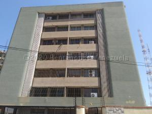 Apartamento En Ventaen Maracaibo, La Lago, Venezuela, VE RAH: 21-5716
