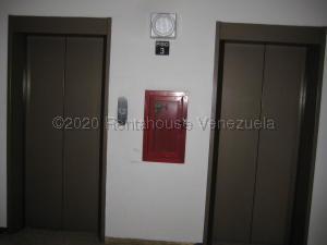 Apartamento En Ventaen Caracas, Prados Del Este, Venezuela, VE RAH: 21-5770
