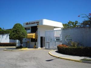 Apartamento En Ventaen Higuerote, Puerto Encantado, Venezuela, VE RAH: 21-5763
