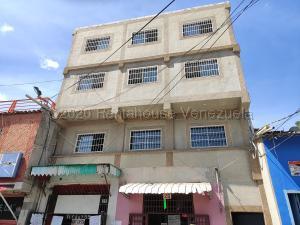 Edificio En Ventaen Caracas, El Valle, Venezuela, VE RAH: 21-5764