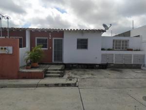 Casa En Ventaen Cabudare, Parroquia José Gregorio, Venezuela, VE RAH: 21-5768