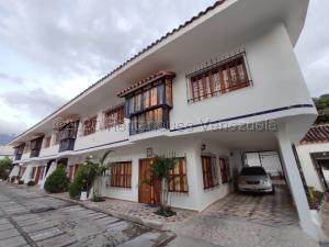 Townhouse En Ventaen Maracay, Barrio Sucre, Venezuela, VE RAH: 21-5897