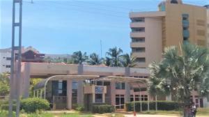 Apartamento En Ventaen Tucacas, Tucacas, Venezuela, VE RAH: 21-5799