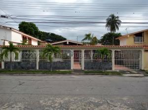Casa En Ventaen Maracay, Andres Bello, Venezuela, VE RAH: 21-5831