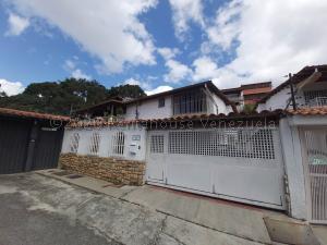 Casa En Ventaen Caracas, Lomas De La Trinidad, Venezuela, VE RAH: 21-6810