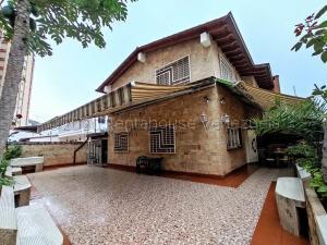 Casa En Ventaen Los Teques, Los Teques, Venezuela, VE RAH: 21-5906