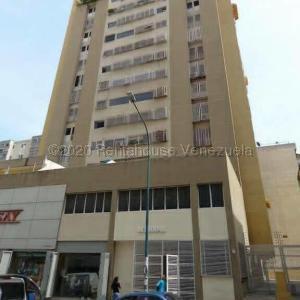 Apartamento En Ventaen Caracas, Parroquia La Candelaria, Venezuela, VE RAH: 21-6996
