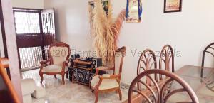 Apartamento En Ventaen Maracaibo, Circunvalacion Dos, Venezuela, VE RAH: 21-5902