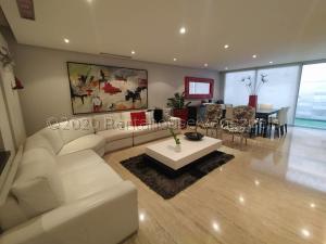 Casa En Ventaen Barquisimeto, Los Cardones, Venezuela, VE RAH: 21-6444