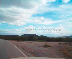 Terreno En Ventaen Quibor, Municipio Jimenez, Venezuela, VE RAH: 21-5967