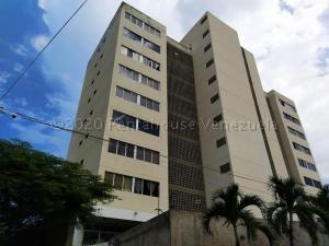 Apartamento En Ventaen Parroquia Caraballeda, Los Corales, Venezuela, VE RAH: 21-6088