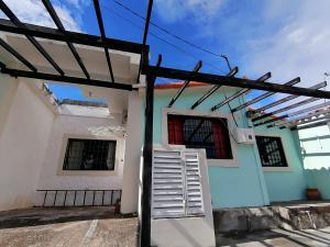 Casa En Alquileren Cabudare, Tierra Del Sol, Venezuela, VE RAH: 21-6098