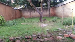 Terreno En Ventaen La Victoria, Centro, Venezuela, VE RAH: 21-6099
