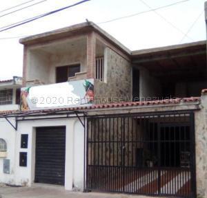 Casa En Ventaen Municipio San Diego, La Esmeralda, Venezuela, VE RAH: 21-6152