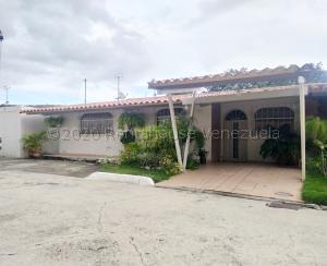 Casa En Ventaen Barquisimeto, Zona Este, Venezuela, VE RAH: 21-6134