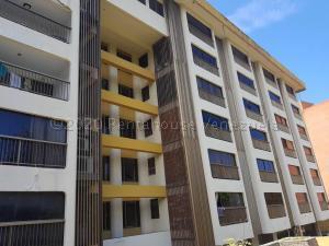 Apartamento En Ventaen Parroquia Caraballeda, Caribe, Venezuela, VE RAH: 21-6254
