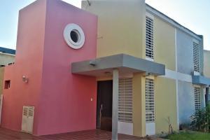 Townhouse En Alquileren Maracaibo, Monte Bello, Venezuela, VE RAH: 21-6189