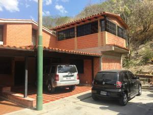 Townhouse En Ventaen Guarenas, Nueva Casarapa, Venezuela, VE RAH: 21-6204